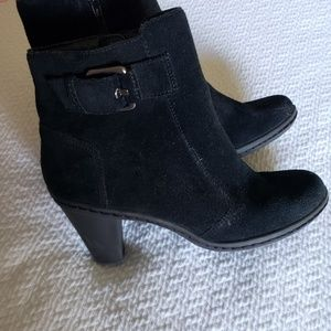 Adorable black western booties with buckle detail!